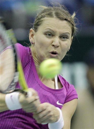 Fed Cup: Safarova powiększa przewagę